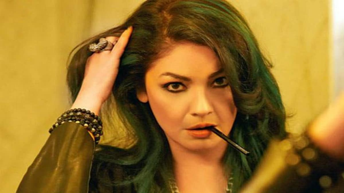 Pooja Bhatt: Being the daughter of an alcoholic makes you more susceptible to becoming one - Movies News