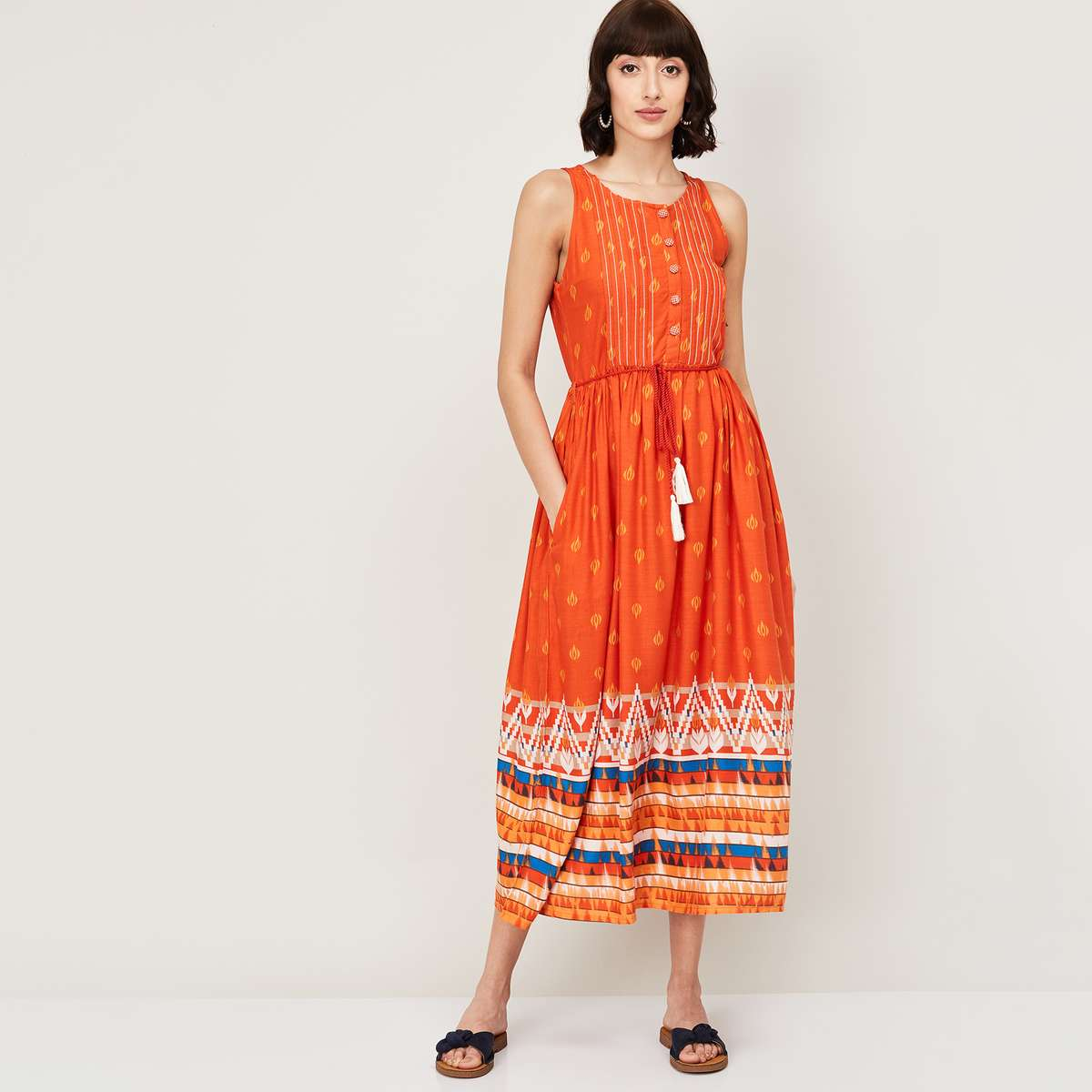 COLOUR ME Women Printed Sleeveless Maxi Dress