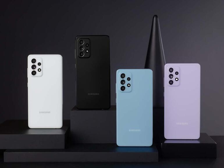 Samsung-galaxy-a52-smartphones.jpg
