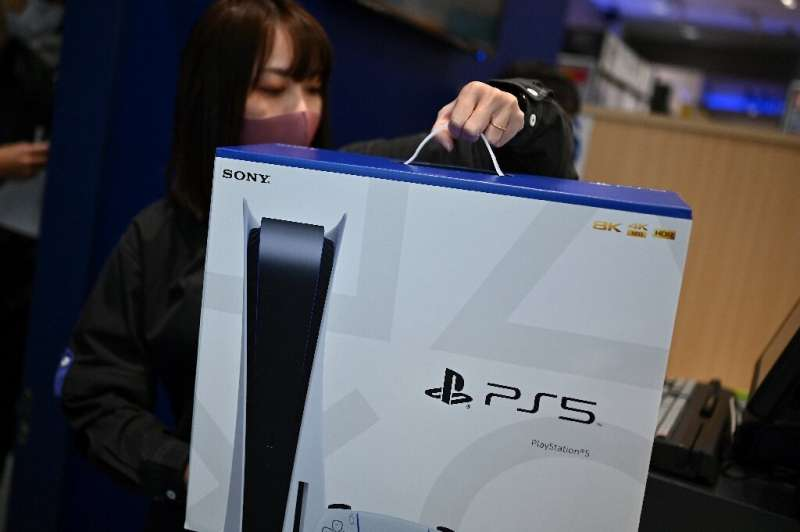 While a PS5 normally costs between £360 and £450 ($500/$627, 420/525 euros) depending on the model, its median resale price on s