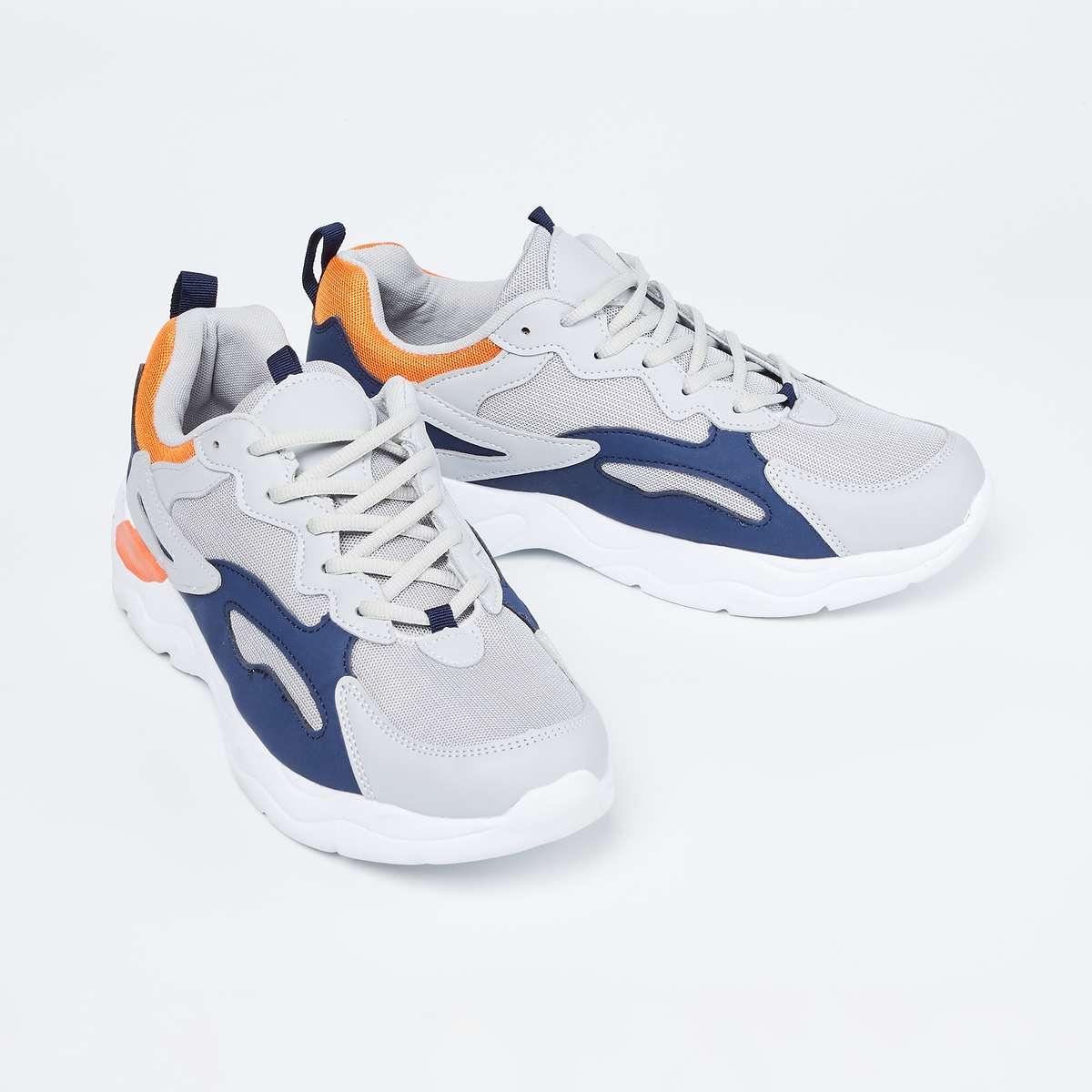 3.FORCA Colourblock Lace-Up Casual Shoes