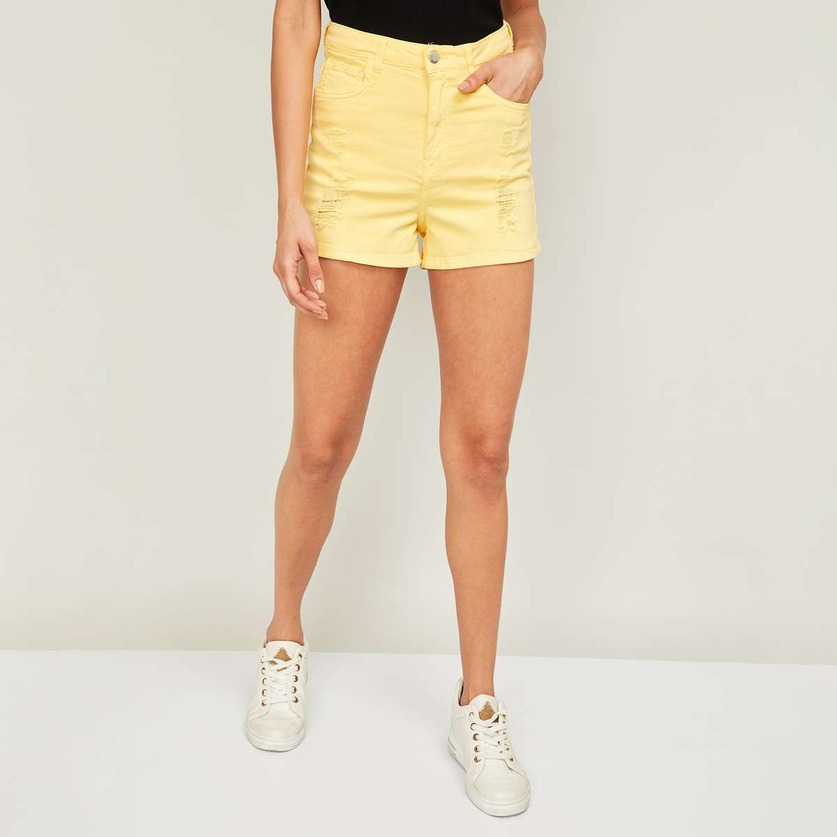 3.GINGER Women Solid Distressed Shorts