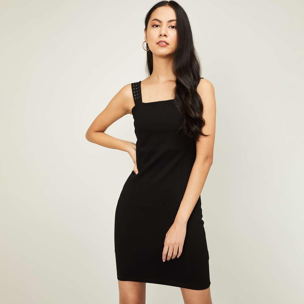 2.GINGER Women Solid Sheath Dress