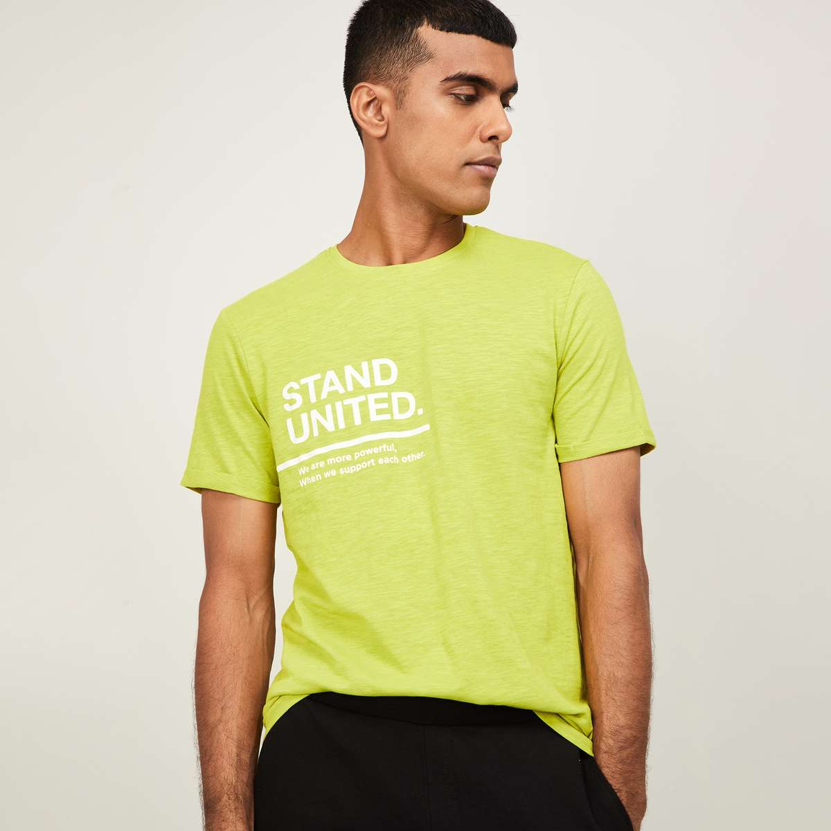 2.FAME FOREVER Men Typographic Print Regular Fit Crew Neck T-shirt