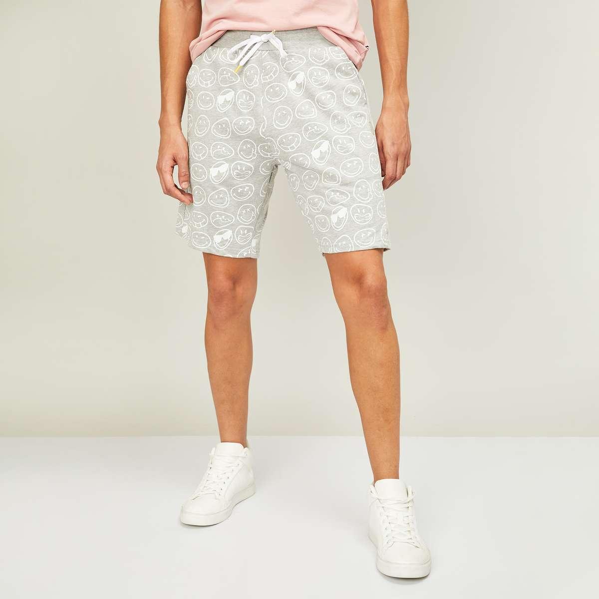 4.SMILEYWORLD Men Printed Shorts