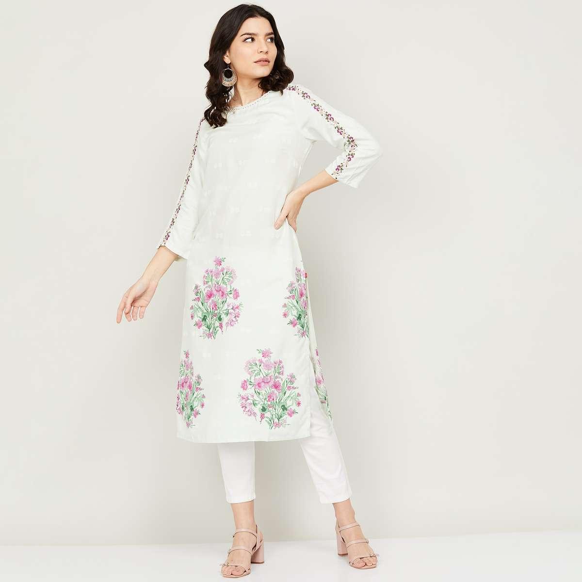 2.W Women Embroidered Three-quarter Sleeves Straight Kurta